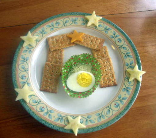 Muffin tin monday away in the manger jdaniel4s mom for Easy christmas food crafts