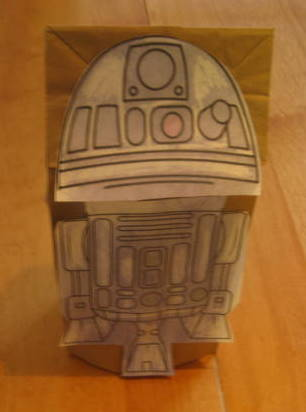 Valentine's Day Crafts:  R2D2 Valentine's Day Card Box