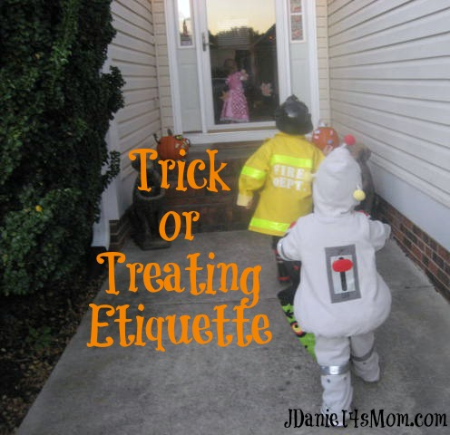 Halloween Tips : Trick or Treating Etiquette