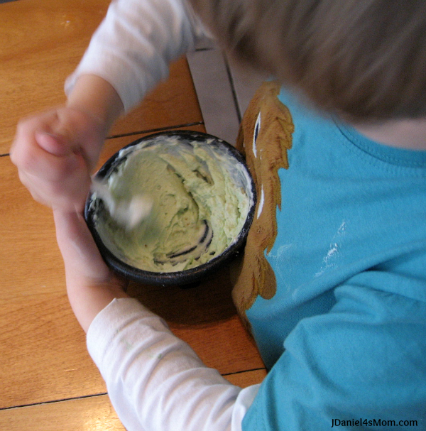 Saint Patrick's Day Snack- Leprechaun Dust with Yogurt