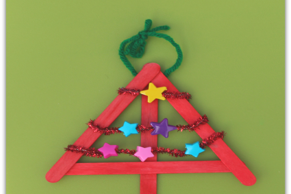 DIY Christmas Decorations – Threaded Star Tree