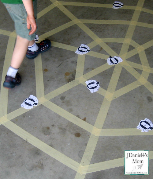 Kindergarten Games- Tape Web Sight Word Activities