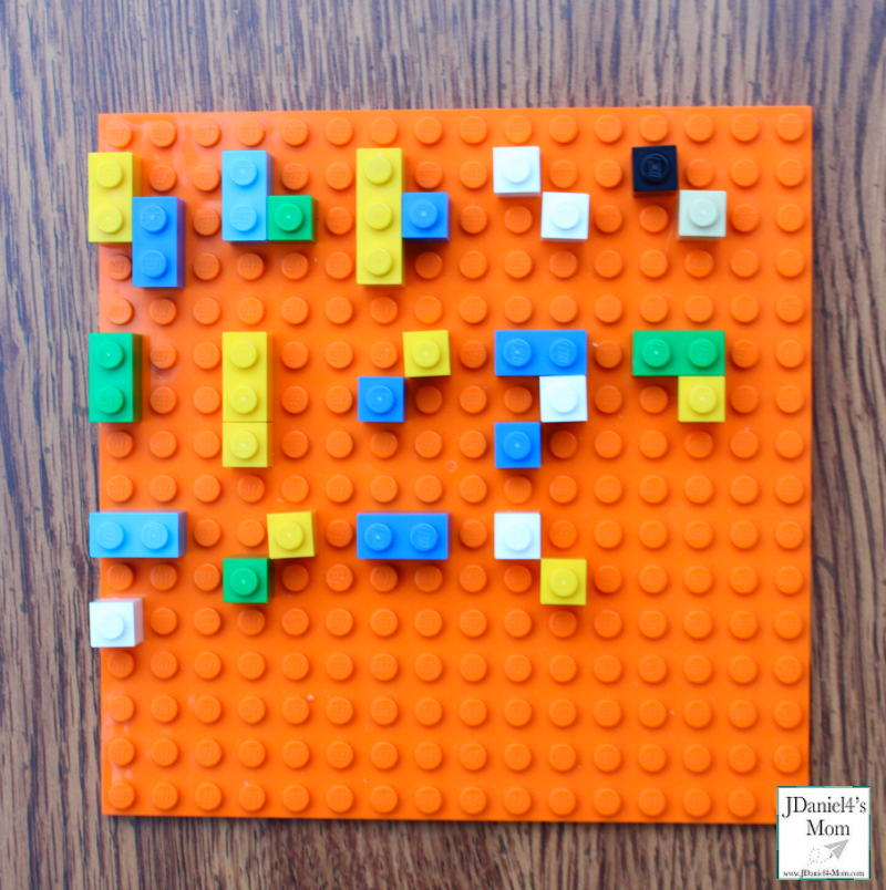 LEGO Braille Alphabet Three Blind Mice STEM Activity : This activity will expose kids to Braille.
