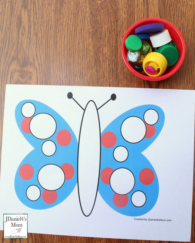 Let's Explore Shapes in Mats with a Butterfly Theme - Circle Mat