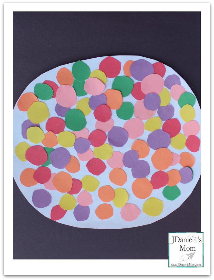 100 Days of School Craft- Kids will love counting out the gumballs to make sure there are 100 before creating this fun craft.