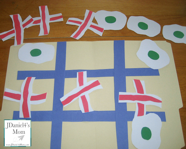 Dr. Seuss Activity- Green Eggs and Ham Tic Tac Toe File Folder Game