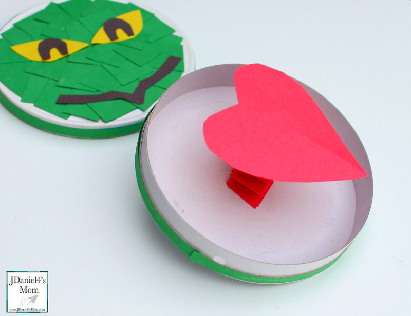 grinch-heart-box-picture