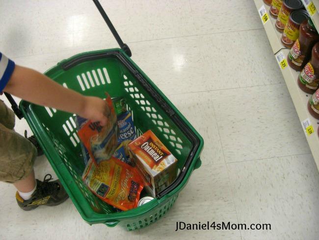 feedingothers_shopping_basketfilling