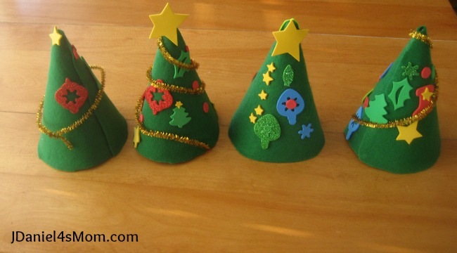 a905e3217e765 Birthday Hat Christmas Tree Craft for Kids