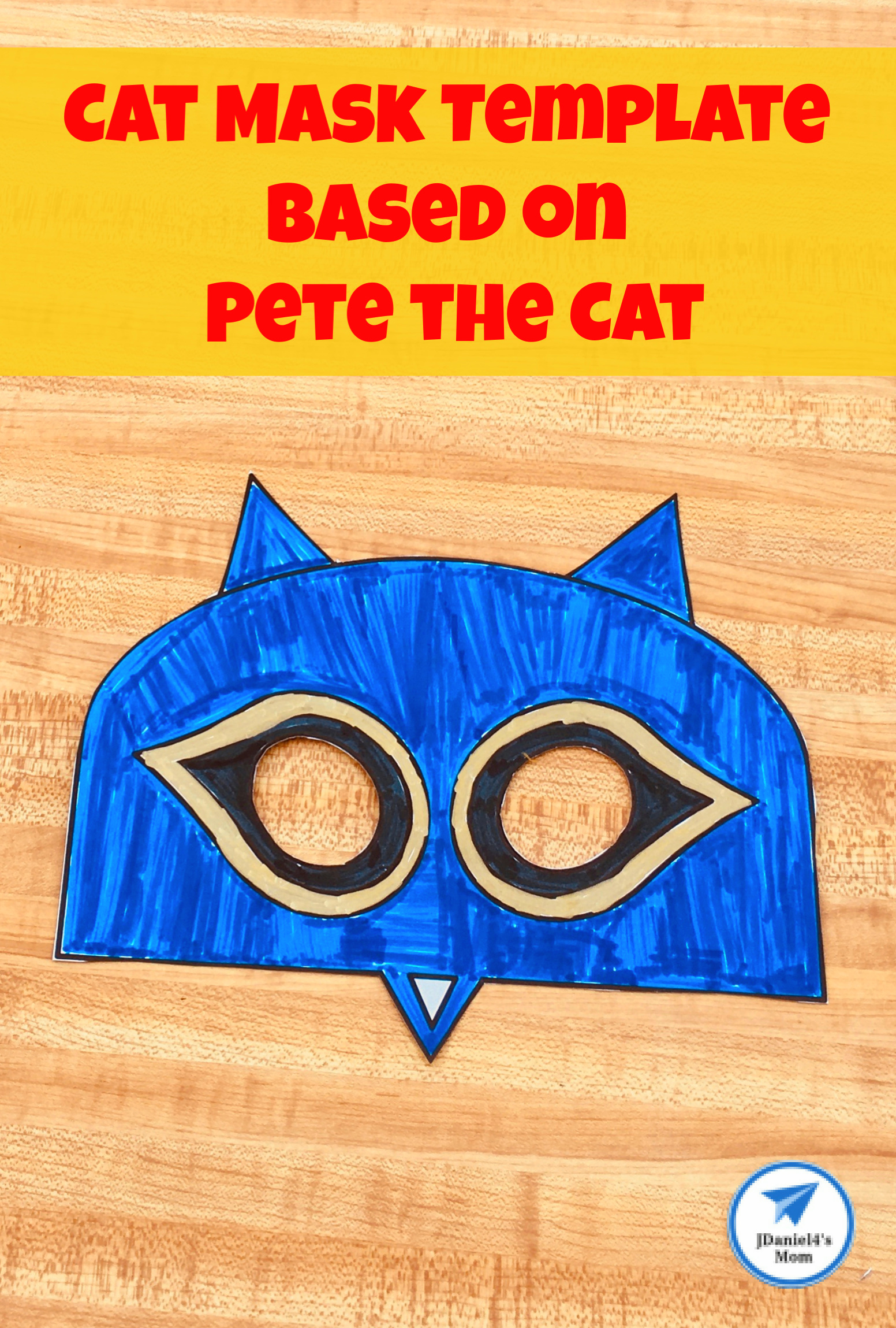 This free printable mask is based on the book series Pete the Cat. It could be decorated after reading a number of different children's books about cats. #freebies #PetetheCat #catmask #jdaniel4smom