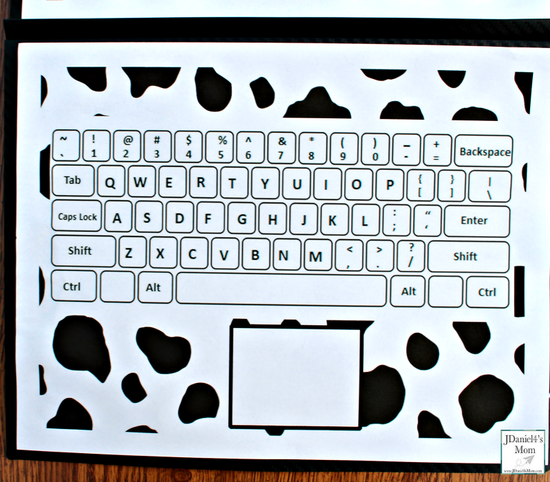 Click Clack Alphabet Learning Laptop Activity - This activity was created to go along with the book Click, Clack, Moo Cows That Type. Here is the keyboard.