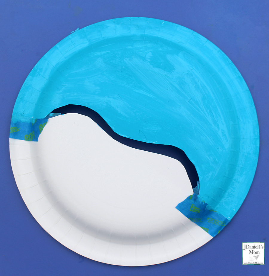 Snowboarding Downhill Interactive Paper Plate Crafts - Painting the Plate