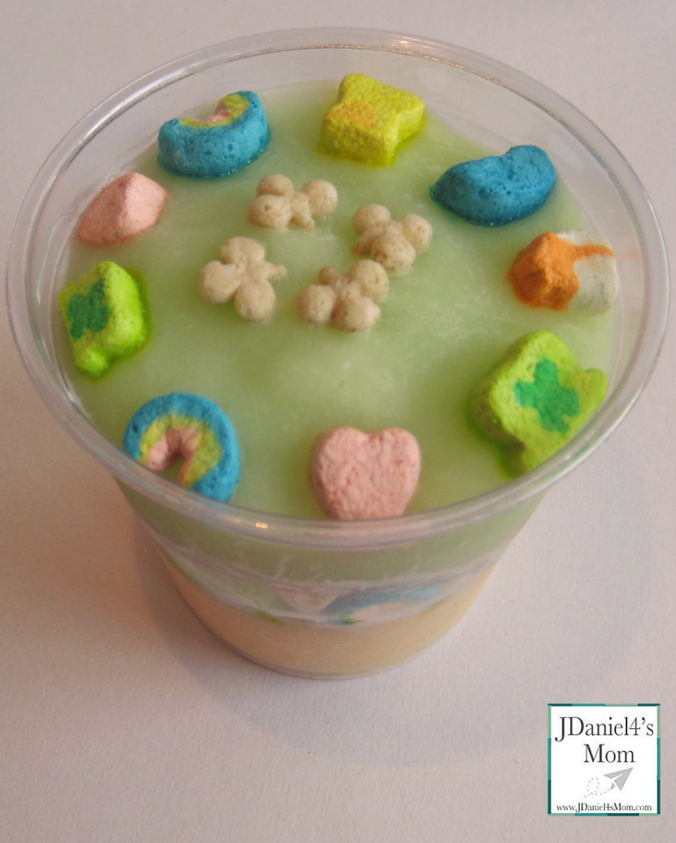 {St Patrick's Day} Yogurt and Cereal Parfait