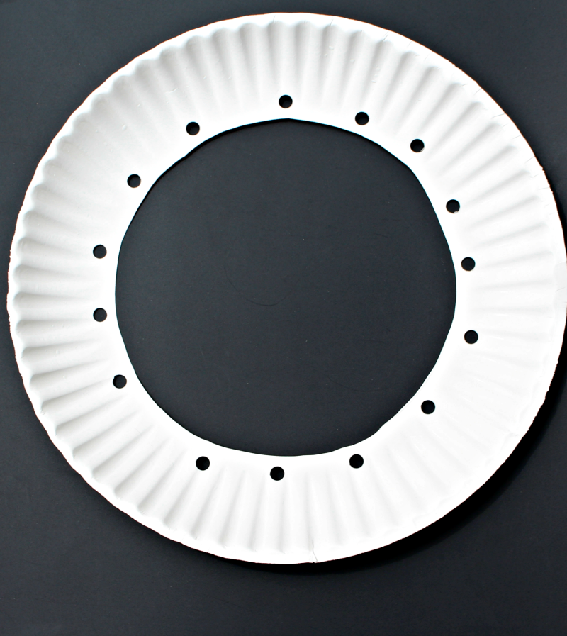 Apple Craft That Works on Fine Motor Skills - Getting the Plate Ready