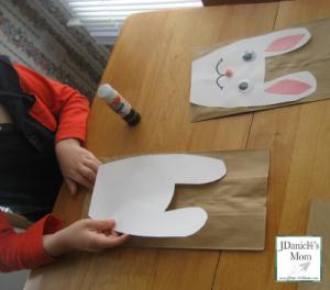 bunny_treat_bag_adding_head