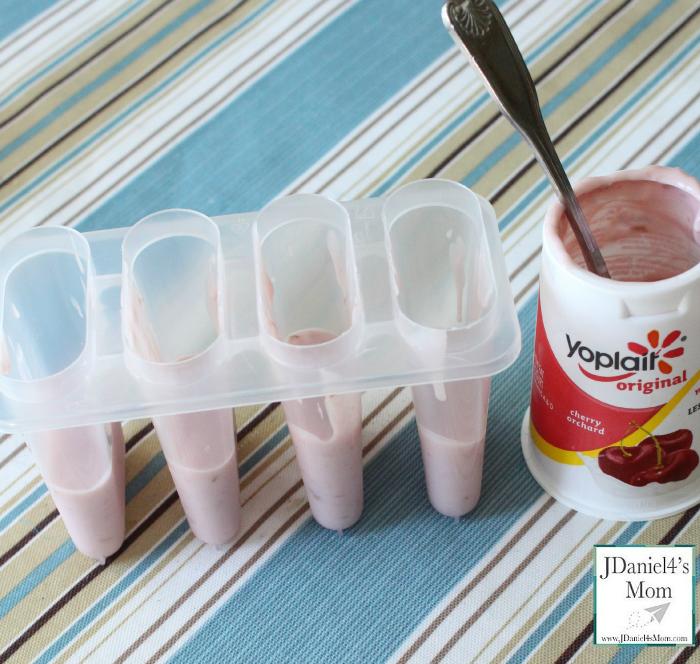 How to Make Sensational Frozen Yogurt Popsicles