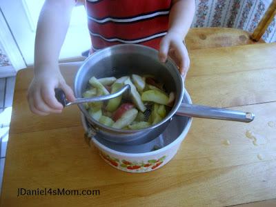 Mrs. Mariner's Homemade Applesauce Recipe
