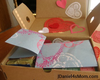 jdaniel4smom_acts_of_kindness_box_filled