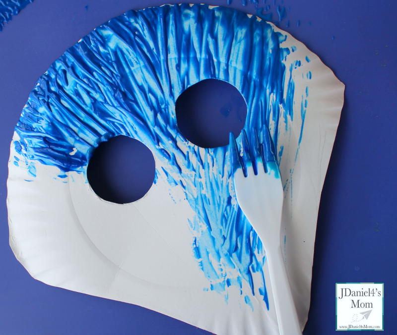 Paper Plate Shark Mask with Mask Template