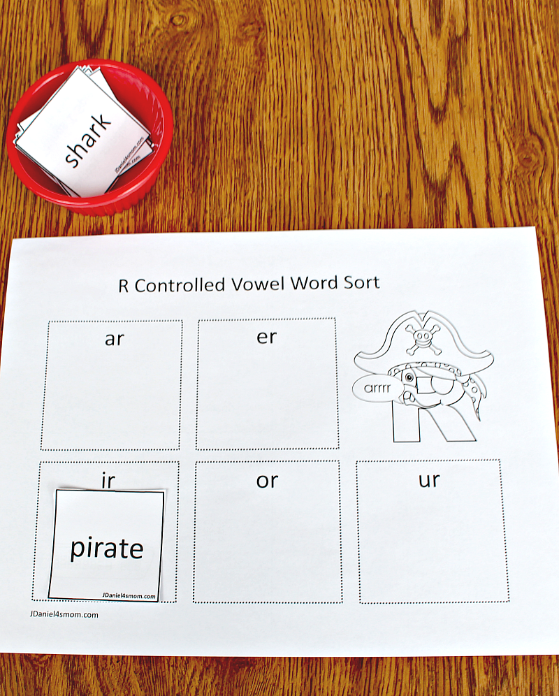 R Controlled Vowels Printable Activities Set - Sort Word Cards Activity