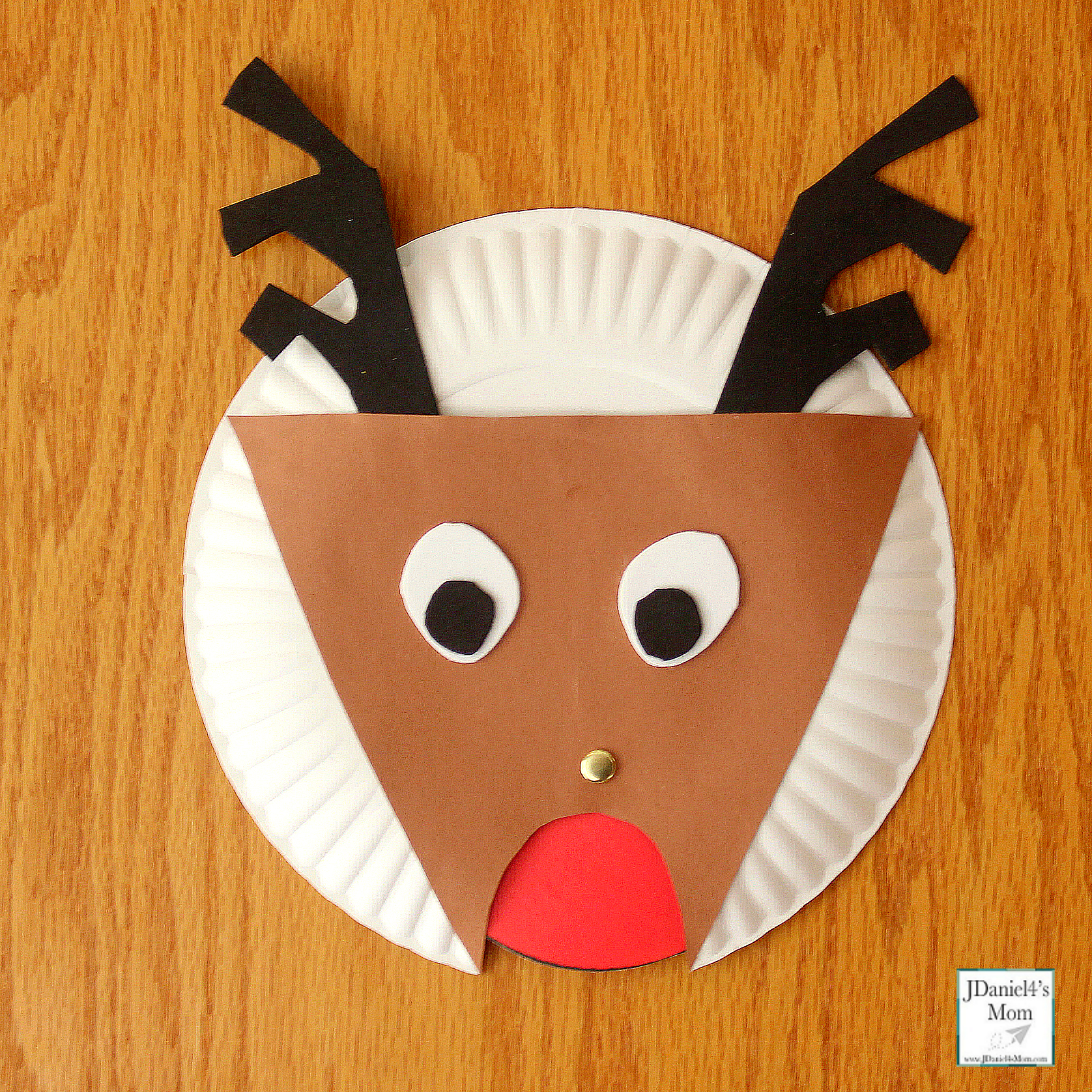 Changing the Color of the Reindeer's Nose Color Activity - Homemade Reindeer with a Red Nose